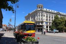 Elektryczna linia 222 na warszawskim Trakcie Królewskim